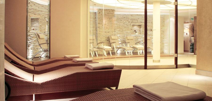Hotel Berghof, Lech, Austria - relaxation area.jpg